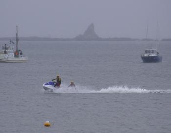 サザンビーチ茅ヶ崎にて行われた津波対策訓練に水難救済会として参加してきました。